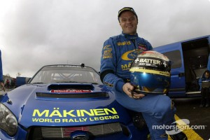 wrc-rally-of-great-britain-2003-tommi-makinen-celebrates-his-last-wrc-event-with-subaru